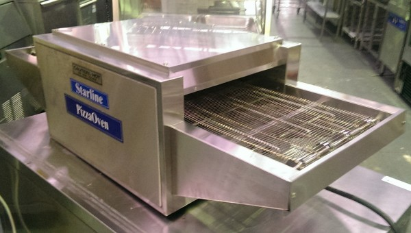 Starline Conveyor Pizza Oven P12 Used Commercial