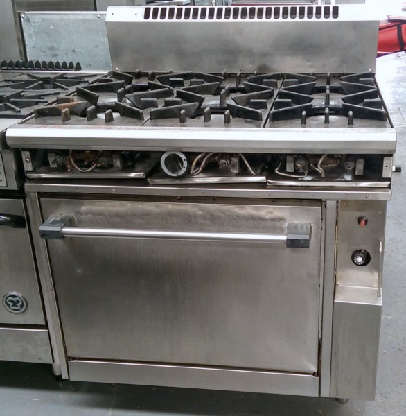 cater 6 Burner Oven Range Used