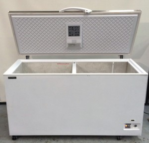 Sold Sold Bromic Flat Solid Top Chest Freezer Model